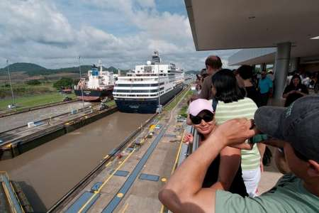 Visit To Panama Canal & City Tour With Shopping Time