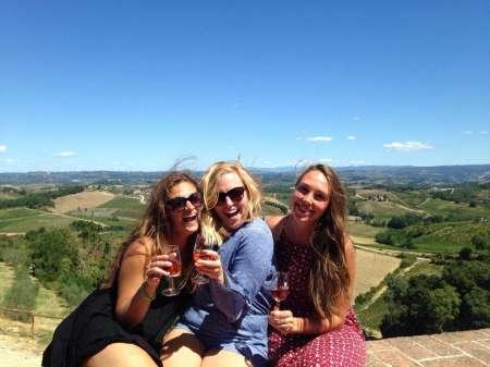 Toskana: Weinprobe In Einem Typischen Weinberg