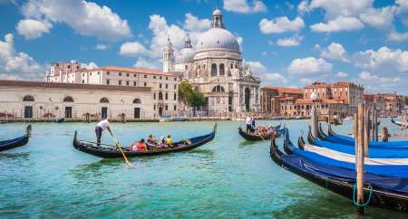Venice: Guided Tour To Doge's Palace And Gondola Ride