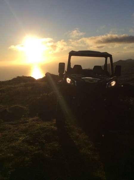 Île São Miguel: Excursion En Buggy Au Coucher Du Soleil À La Lagune Sete Cidades Et Mosteiros