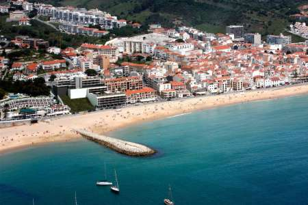 From Lisbon: Excursion To Arrábida & Sesimbra With Wine Tasting