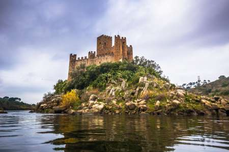From Lisbon: Tomar And Almourol Castle Private Tour