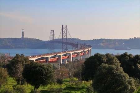 Private Driver Around Lisbon: Custom Tour