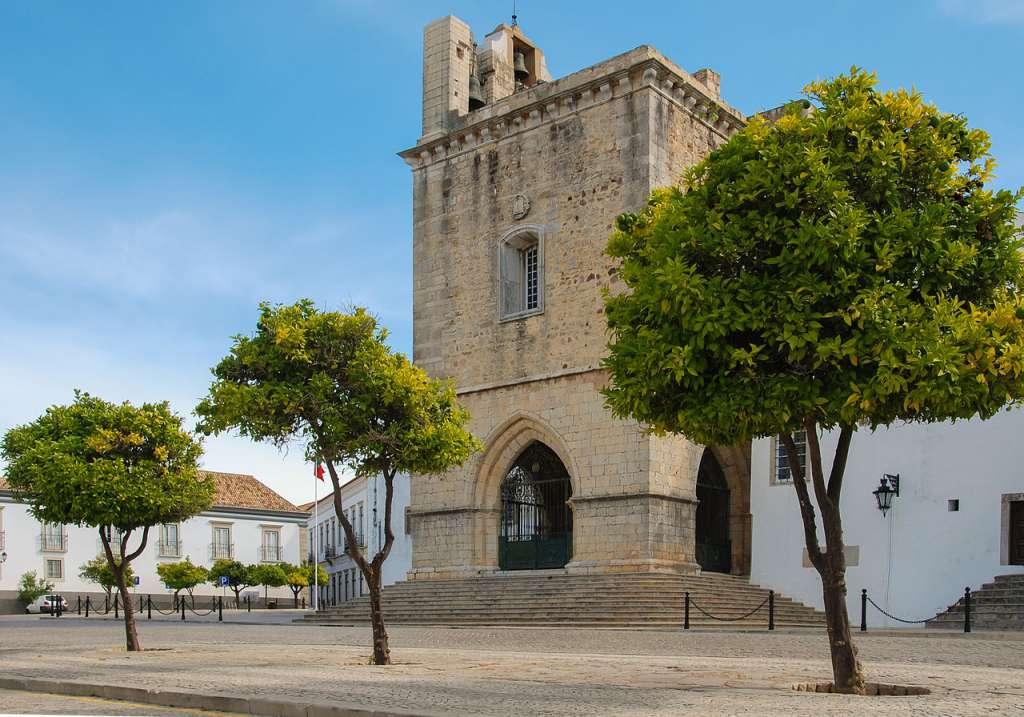 A Sé de Faro é um dos monumentos mais importantes da cidade.