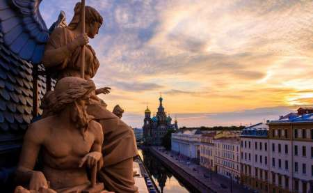 Explore St. Petersburg In A Small Group City Tour With Boat Trip Included