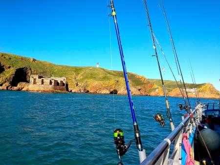 Peniche: Ganztagesausflug Zum Sportfischen Auf Einem Katamaran