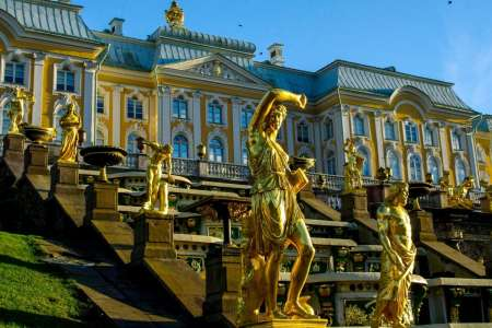 From St. Petersburg: Visit Peterhof Park And Explore The Metro Stations In A Small Group