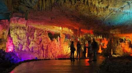 Grotte de Prométhée