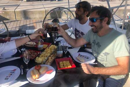 Barcelona Sailing Tour With Tapas On Board