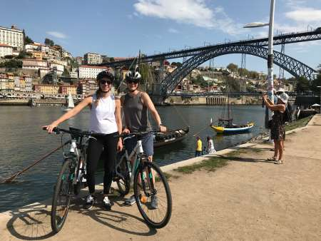 Porto: Visite À Vélo D'une Journée Avec Dégustation De Vins Et De Plats Locaux