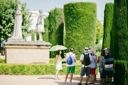 Córdoba: Visita Guiada Alcazar Y Mezquita-Catedral Con Entradas Incluidas