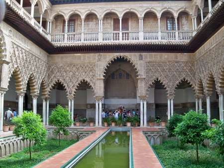 Seville Luxury Tour: Visit To The Cathedral, Alcazar And Yacht Cruise