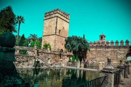 Cordoba: Guided Tour To Alcazar Dos Reis Cristianos