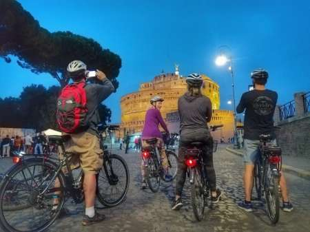 Private Tour Of Rome By Night On E Bike