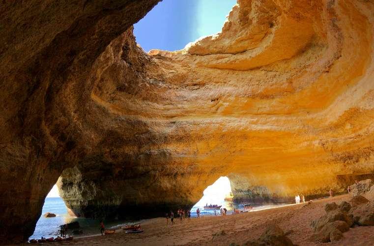 Benagil é um dos destinos mais procurados em todo o Algarve.