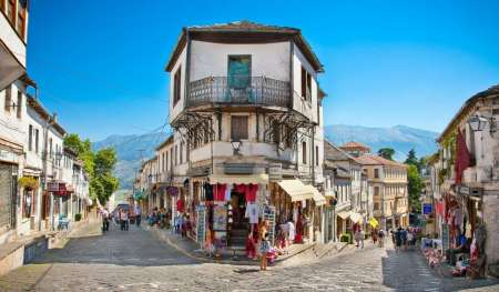 De Saranda: Excursion À Gjirokastra Et The Blue Eye, Le Syri I Kalter