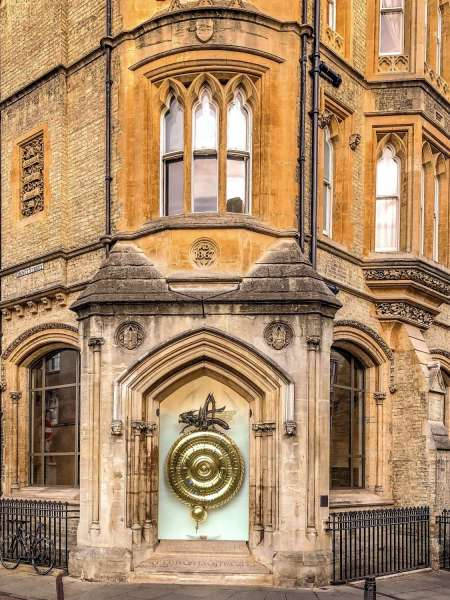 Famous Inventions & Graduates: 45-Minute Podcast Walking Tour In Cambridge
