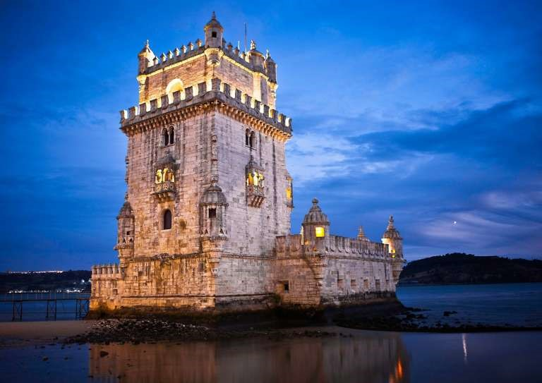 The Belém Tower is really impressive ... how beautiful!