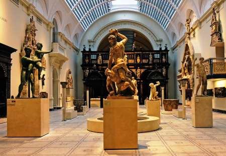 Entdecken Sie Das Victoria And Albert Museum: Podcast-Rundgang Durch London