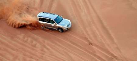Dubai: Sundowner Dune Safari With Dinner