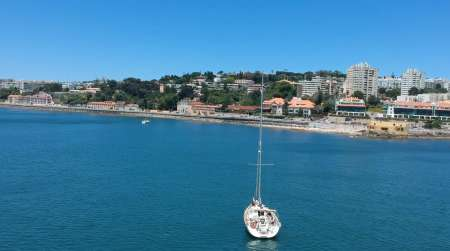 Lisbon Full-Day Private Sailboat & Beach Stop