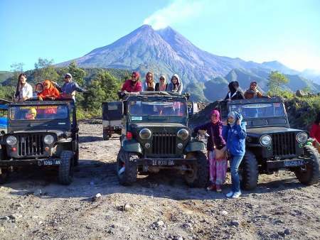 1-Day Yogyakarta Merapi And Borobudur – Private Tour With Guide