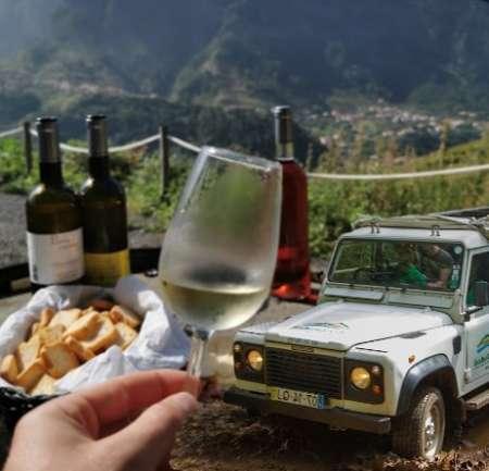 Safari En Jeep Sur L'Île De Madère Et Dégustation De Vins Dans Un Vignoble