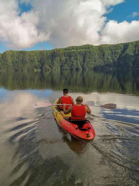 Visite Du Lagon De Sete Cidades: Promenade Pédestre, Dégustation Et Kayak