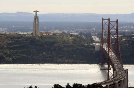 Lisbon E-Bike Tour: Explore Monsanto