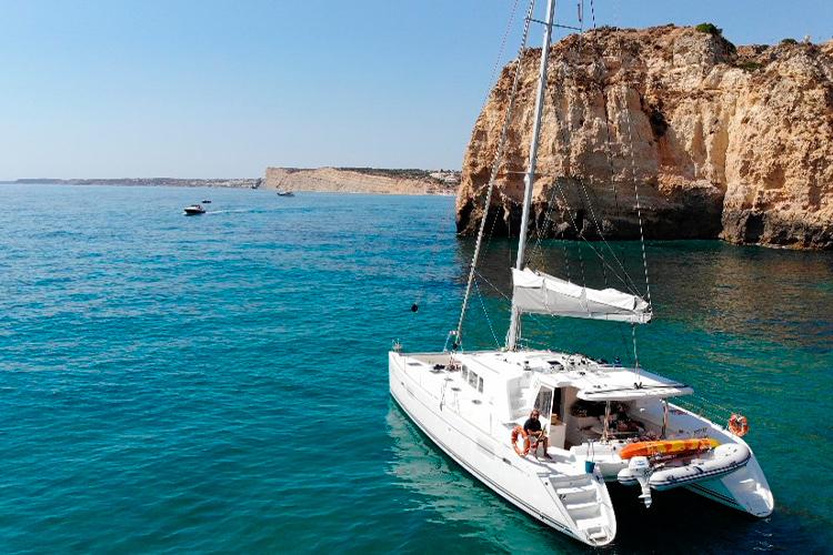 Luxury boat tours in the Algarve coast